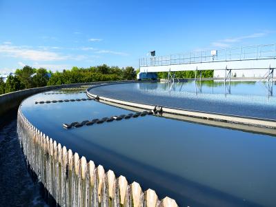 انواع حوضچه های ته نشینی یا کلاریفایر و نقش آن در تصفیه فاضلاب چیست؟
